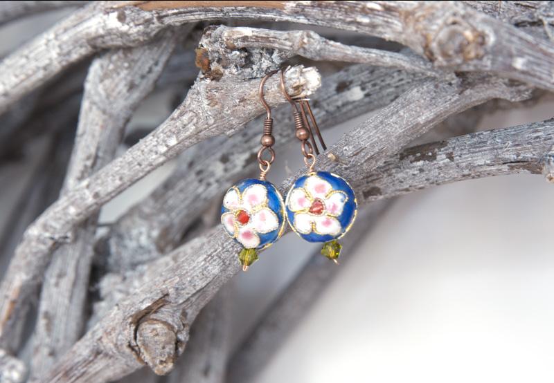 Ohrringe einfach selbermachen mit Perlen, Swarovski-Kristallen und Fischerhaken in Alt-Kupfer
