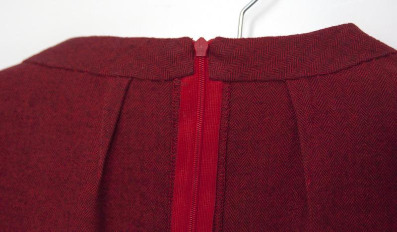 Ashland Dress | Detail Halsbeleg