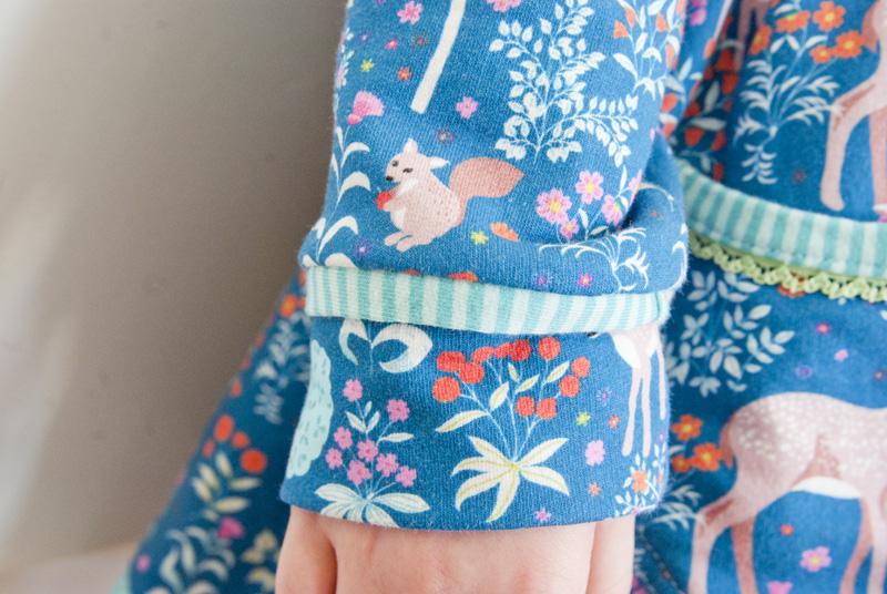 Ärmel mit Paspel - Winterkleid für Mädchen