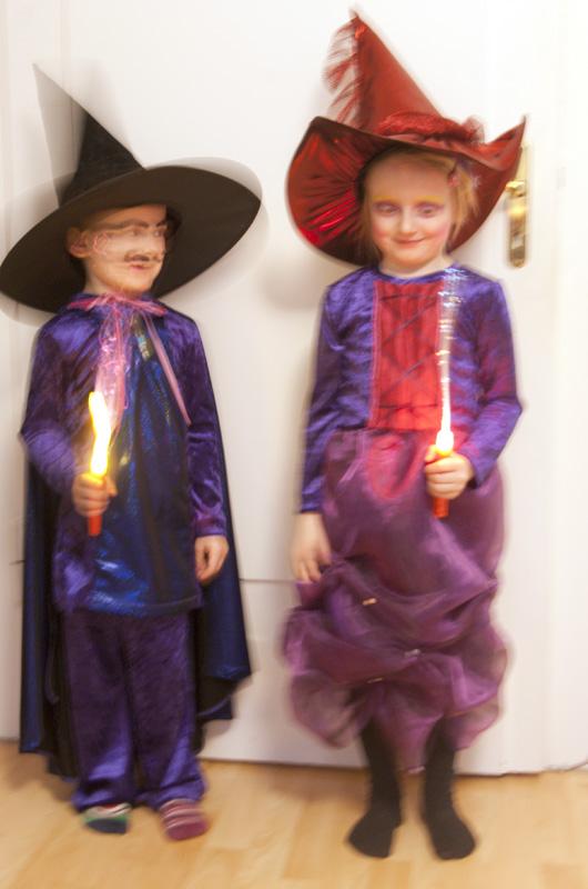 Zauberer- und Hexenkostüm selber nähen